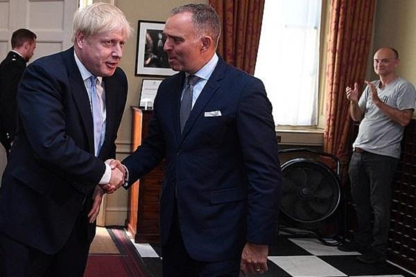 استقالة أمين عام مجلس الوزراء البريطاني