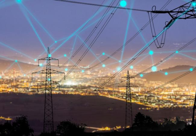الكهرباء: إعادة خط بسماية – جنوب بغداد 400 K.V للعمل