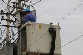 انجاز الأعطال الطارئة على الشبكة الكهربائية في الخالص