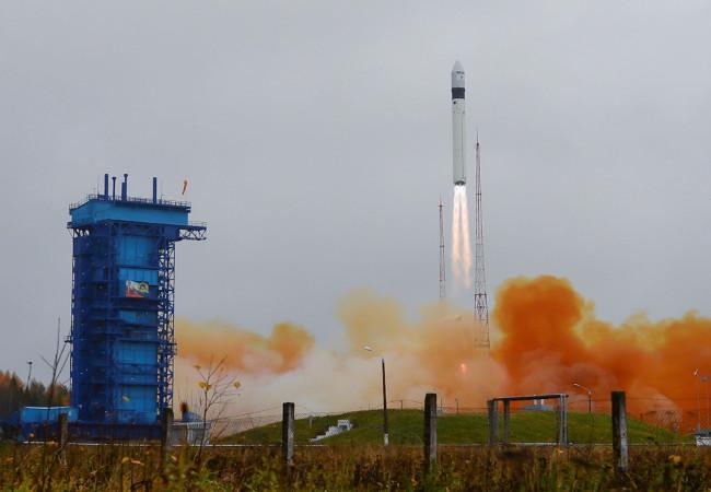 """روسيا تطلق بنجاح صاروخها من الجيل الجديد """"أنغارا"""""""