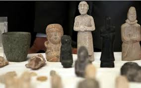 العثور على قطع اثرية تعود الى الحضارة السومرية غرب الناصرية