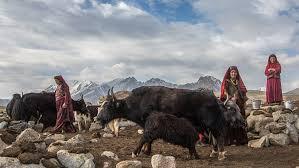 قبيلة أفغانية تعيش معزولة عن العالم