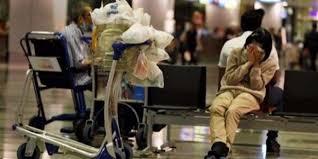 امرأة تعيش في المطار منذ 8 سنوات