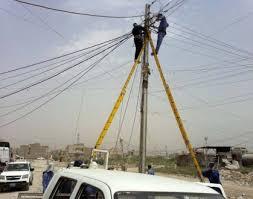 كهرباء الكرخ تباشر بأعمال انارة طريق الزائرين في العدوانية