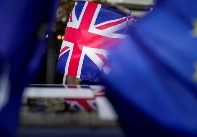 لندن وبروكسل تسرعان المفاوضات حول علاقتهما