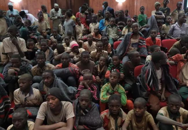 سلطات ولاية كاتسينا في نيجيريا تستقبل 344 تلميذًا كانوا مخطوفين