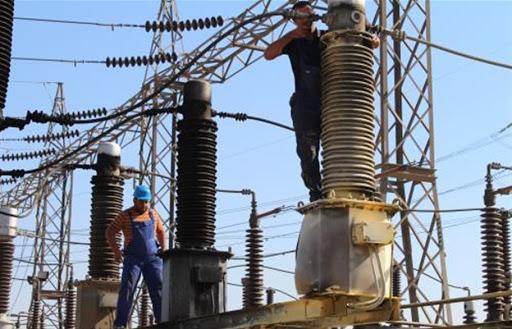 وزارة الكهرباء ترمي باللائمة على بعض المحافظين بنقص التجهيز.. و1100 مجمع عشوائي