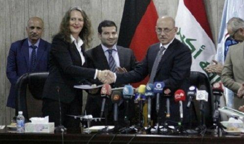 النقل توقع اتفاقية مع لوفتهانزا الالمانية لتطوير الخطوط الجوية والمطارات العراقية