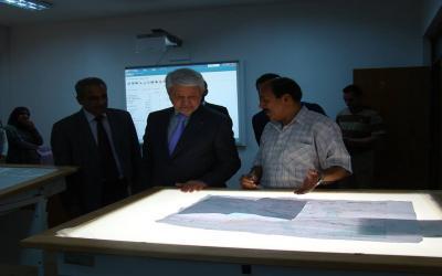 الزبيدي يزور الهيئة العامة للأنواء الجوية