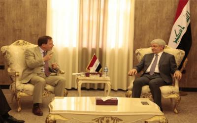 الزبيدي يلتقي السفير البريطاني في العراق