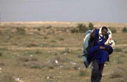 مهاجر يمشي 50 كيلومترا على قدميه
