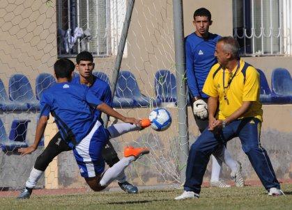 اتحاد الكرة يقيم دورتين تدريبيتين في النجف والبصرة
