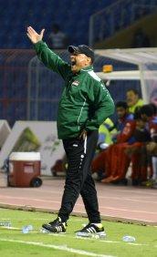 حكيم شاكر: لن أعود لتدريب المنتخبات الوطنية لمحاربتي بشكل كبير في قيادتها