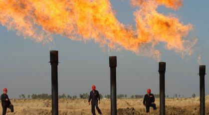 النفط تعلن تصدير اكثر من 95 مليون برميل نفط