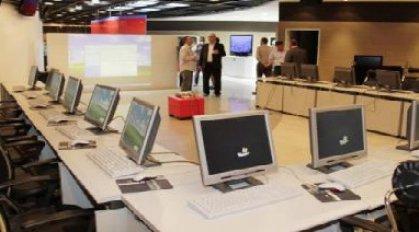 العمل تتعاقد مع [مايكروسوفت] لتطوير نظام جباية اشتراكات العمال