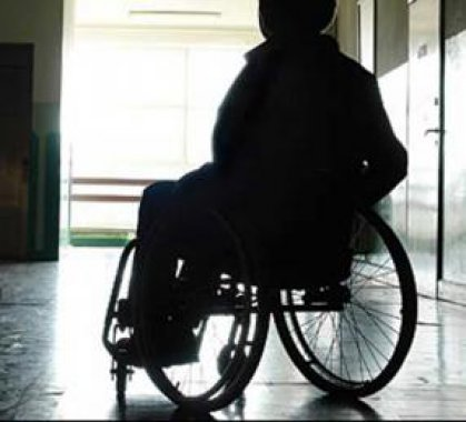 السوداني يؤكد اهتمام الوزارة بشرائح ذوي الاحتياجات الخاصة وتنفيذ برامج اجتماعية لتأهيلهم