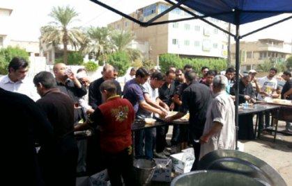 أمانة بغداد تكرم عددا من المواكب والشباب المتطوعين في زيارة الإمام الكاظم (ع)