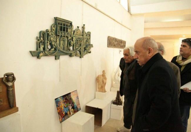 وزير النقل يفتتح معرض الوزارة  في جمعية الفنانين التشكيليين