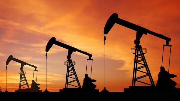 انخفاض أسعار النفط مع نمو الإنتاج الأميركي