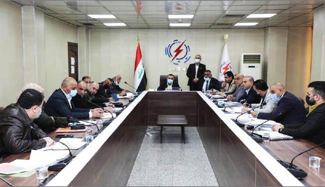 وزير الكهرباء يعقد اجتماعاً موسعاً مع الملاكات المتقدمة في فرع توزيع كهرباء بغداد/الكرخ