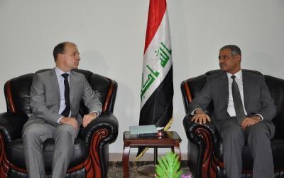 وزير السياحة يبحث مع السفير الهولندي سبل تطوير العلاقات الثنائية بين البلدين