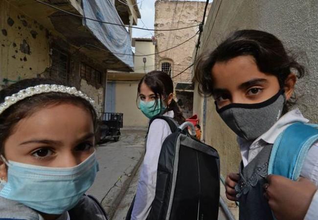غلق 8 مدارس في الديوانية وتسجيل إصابات بفايروس كورونا في النجف