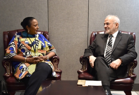 الجعفري يدعو وزيرة الخارجية الكينية الى دعم ترشيح العراق لعضوية مجلس حقوق الإنسان
