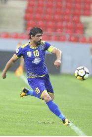 حمادي أحمد يتصدر التشكيلة المثالية لجولة الدوري الممتاز