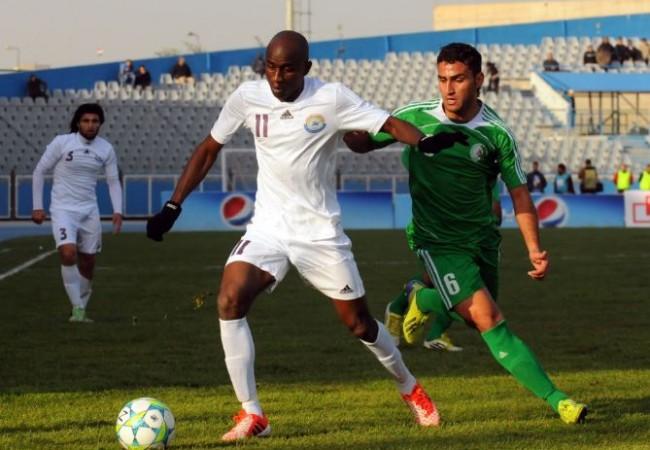 فريق نادي كربلاء بكرة القدم يضم النيجيري رحيم أولابي