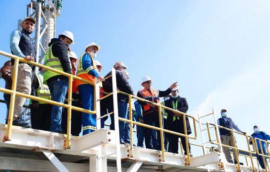 النفط:  إضافة منصة عائمة جديدة لتصدير الخام