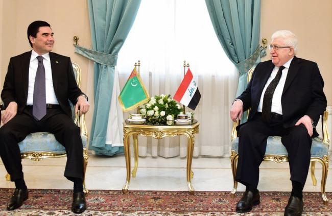 معصوم يلتقي في طهران نظيره التركمانستاني لبحث آخر المستجدات