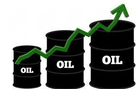 النفط يرتفع بفعل بيانات أميركية ومراهنات على تراجع المخزون