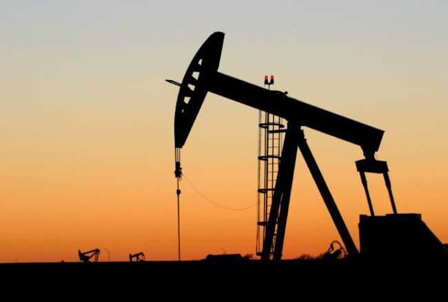 تراجع أسعار النفط بعد إنتعاش مؤقت