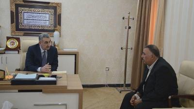 محافظ الانبار يبحث مع قائد عملياتها سير العمليات العسكرية في المحافظة