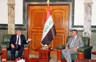 وزير الصناعة يبحث مع السفير التركي سبل تطوير العلاقات الثنائية