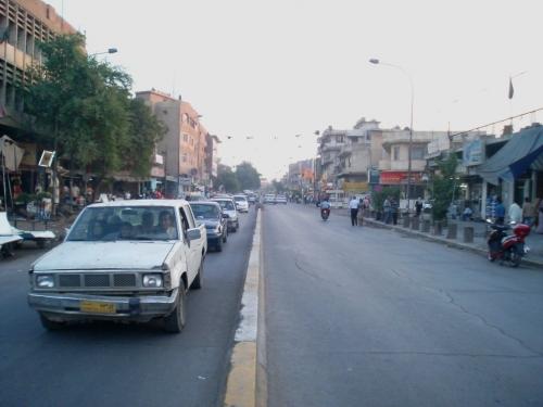 اغلاق شارع الكرادة التجاري مجددا بعد تفجيرات امس