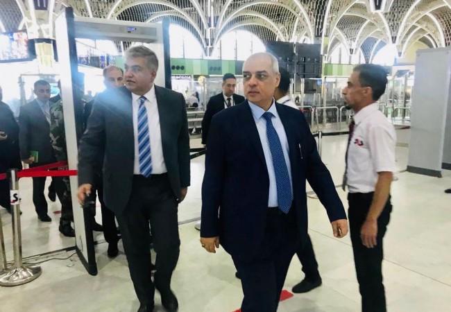 وزير النقل يطلع على امكانية فتح طريق المطار امام المسافرين بشكل مباشر