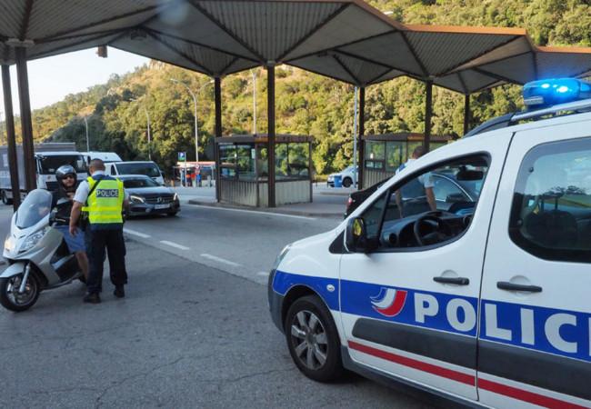 إسبانيا: توقيف سويسري قاد سيارته 30 كيلومتراً عكس السير مع جثة بجانبه