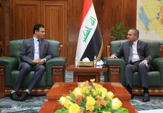 امين بغداد يبحث مع السفير المصري معالجة العشوائيات والمدينة الادارية عبر الجباية الألكترونية