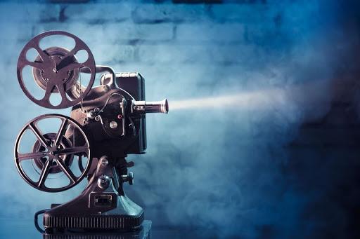 ترميم التراث السينمائي.. من هم منقذو أرشيف الأفلام المهمل؟