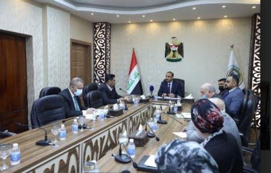 وزير العمل يترأس اجتماعاً للجنة العليا لمشروع تشغيل الشباب